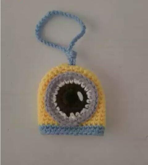 手工毛线编织小物件,小黄人钥匙包制作步骤图