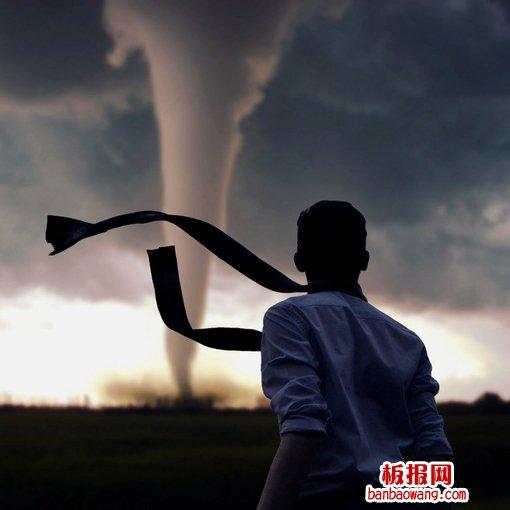 追龙卷风的人